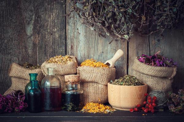 Приготовленное из растительного сырья средство может оказаться и лекарством, и ядом