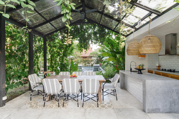 Летняя кухня должна быть удобной, функциональной и красивой