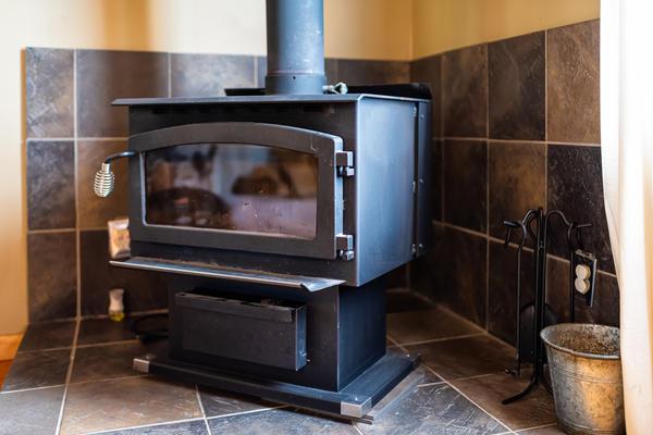Главные параметры, по которым следует выбирать печь, – объем (кубатура) и площадь