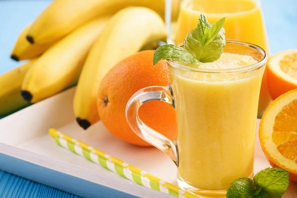 В смузи бананы отлично сочетаются с другими продуктами