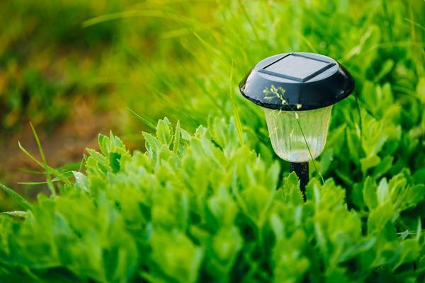 Садовые светильники на солнечных батареях - замечательное изобретение