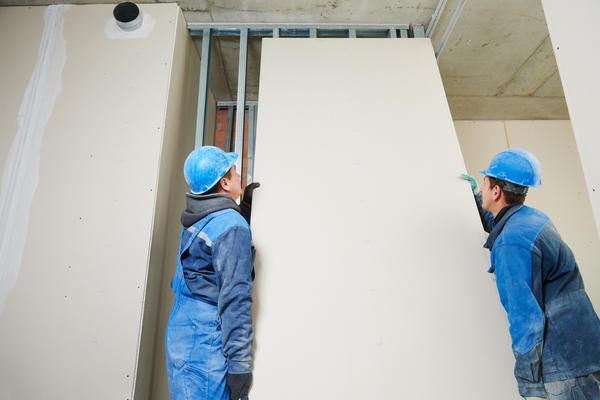 Гипсокартон — это самый популярный материал для обшивки стен и возведения перегородок