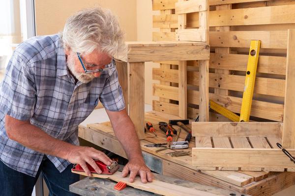 Мастерить мебель своими руками увлекательно