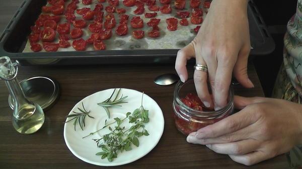 Приготовление вяленых томатов