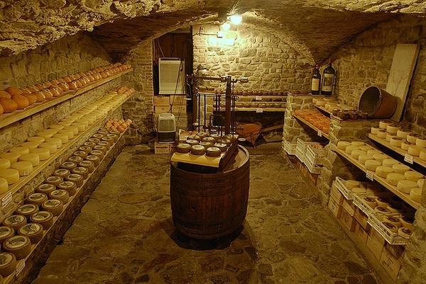 Добротный подвал. Фото с сайта stroimdacha.ru