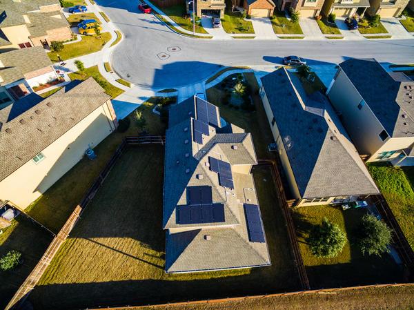 На участке ИЖС постройки могут занимать больше половины земельного участка