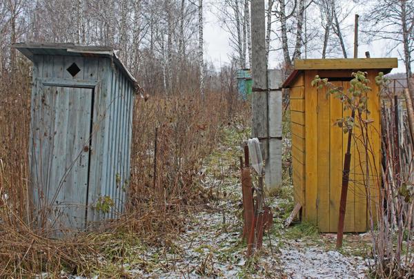 Туалет на загородном участке