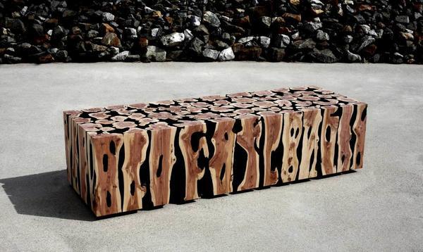 Скамья из поленьев дизайнера Lee Jaehyo. Фото с сайта shineartists.com