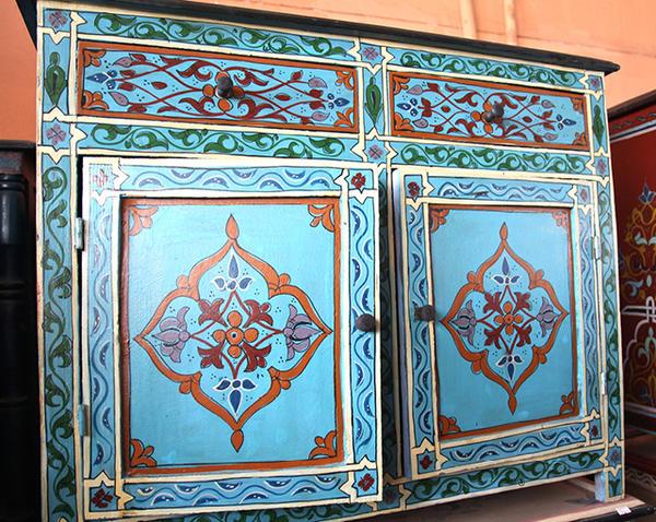 Добавить цвета в интерьер. Фото с сайта creativejewishmom.com