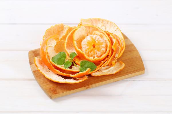 Не выбрасывайте мандариновые шкурки