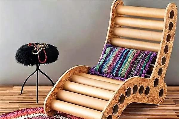 Шезлонг из картонных втулок. Фото с сайта coivisainspiratuhogar.com