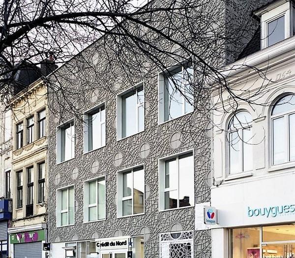Фасад, декорированный панелями из фибробетона. Фото с сайта m.pikabu.ru