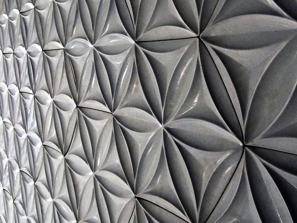 Фасадные 3D-панели из фибробетона. Фото с сайта stroi-baza.ru