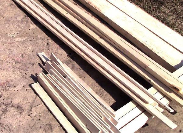 Нарезаем брус и рейки на заготовки