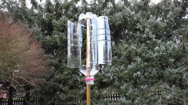 «Шумелка» из пластиковой бутылки. Фото с сайта i.ytimg.com