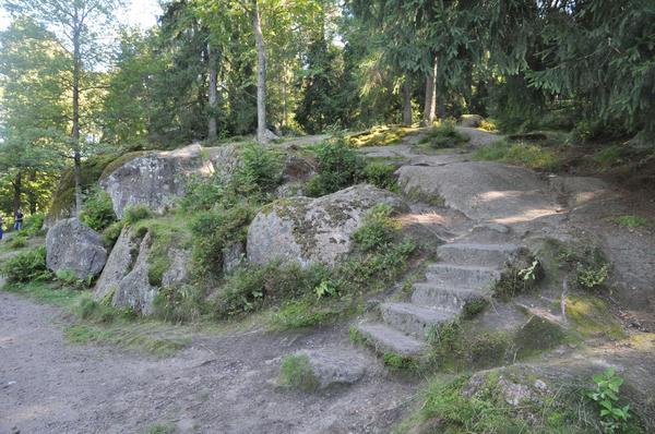 Парк Монрепо, Выборг. Фото с сайта дворцы-сады-парки.рф