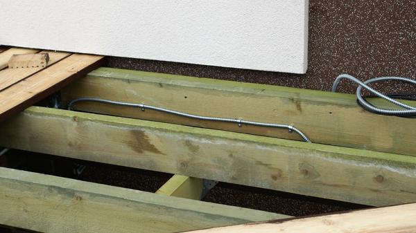 Вывод электрического кабеля. Фото автора