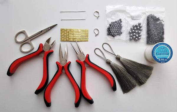 Материалы и инструменты. Фото автора