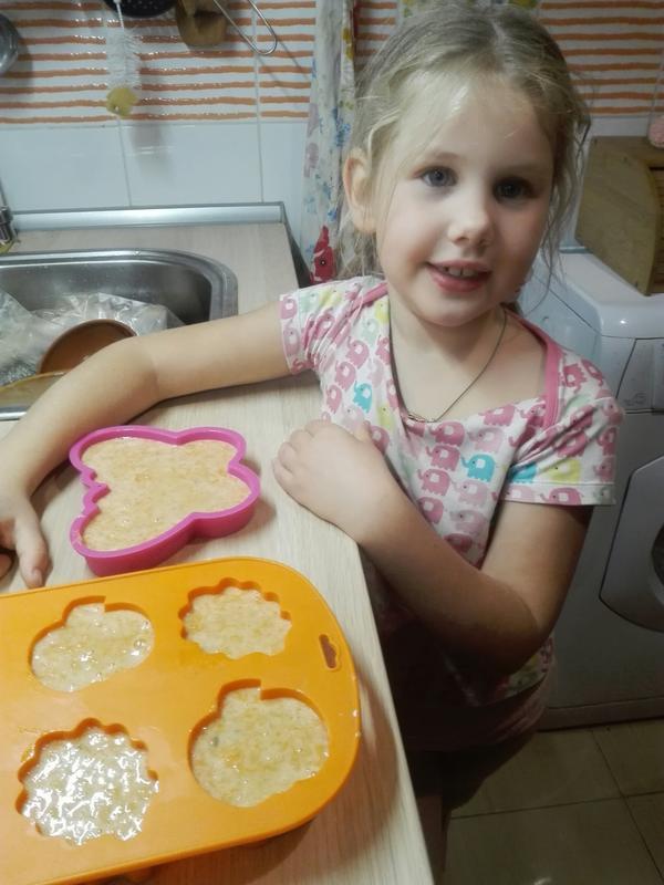 мамина помощница и главный любитель морковных кексов