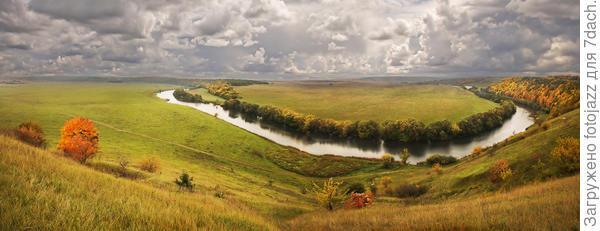И. С. Тургенев  «Там у нас, на Красивой-то на Мечи, взойдешь ты на холм, взойдешь — и, господи боже мой, что это а И река-то, и луга, и лес; а там церковь, а там опять пошли луга. Далече видно, далече. Вот как далеко видно… Смотришь, смотришь, ах ты, право!»