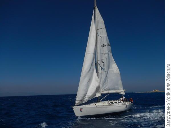 """Вот яхта """"потеряла"""" ветер"""