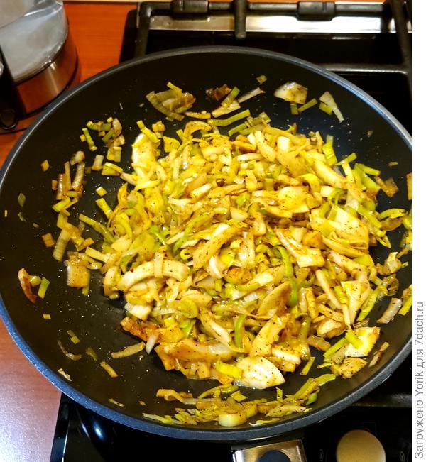 Морепродукты с овощами, тушенные в кокосовом молоке. Пошаговый рецепт с фото