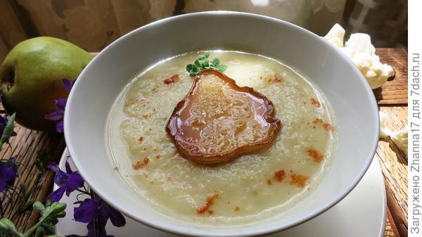 Летний суп-пюре с грушей и цветной капустой