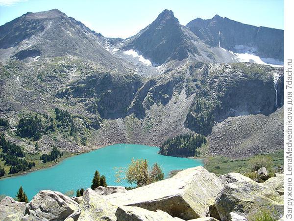 Озеро Крепкое такое синее, если смотреть сверху