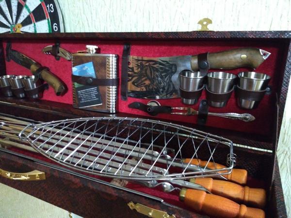 Полезный набор для охотника и рыболова.