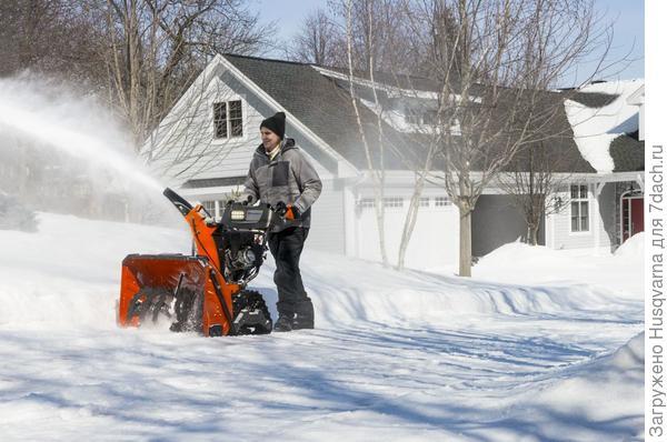 Снегоотбрасыватель Husqvarna S 330 PT