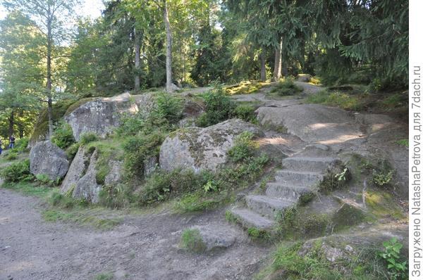 Парк Монрепо, Выборг. Фото с сайта http://xn-----7kcbgld8ar8aphgi7e0de.xn--p1ai/