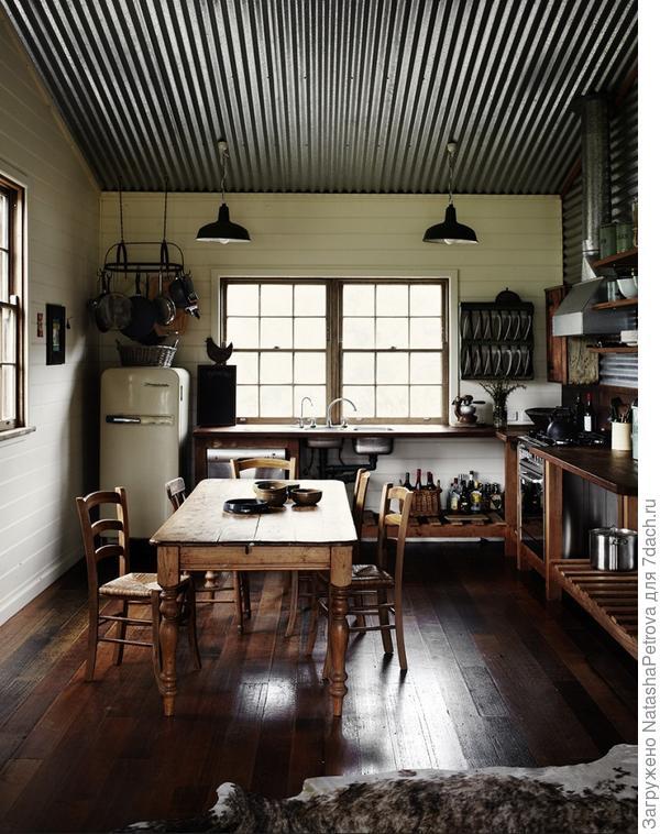 Потолок из гофрированного металла, Австралия. Фото с сайта http://www.sharyncairns.com.au/