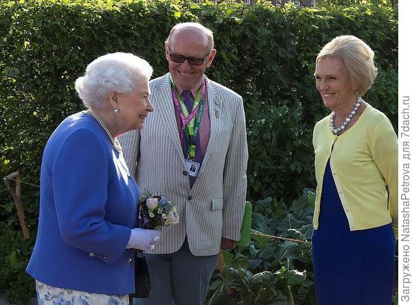 Королева Англии Елизавета II на выставке цветов и садов 2017 года. Фото с сайта dailymail.co.uk