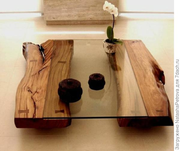 Кофейный столик. Стекло, слэбы дуба. Фото с сайта http://funvit.com/