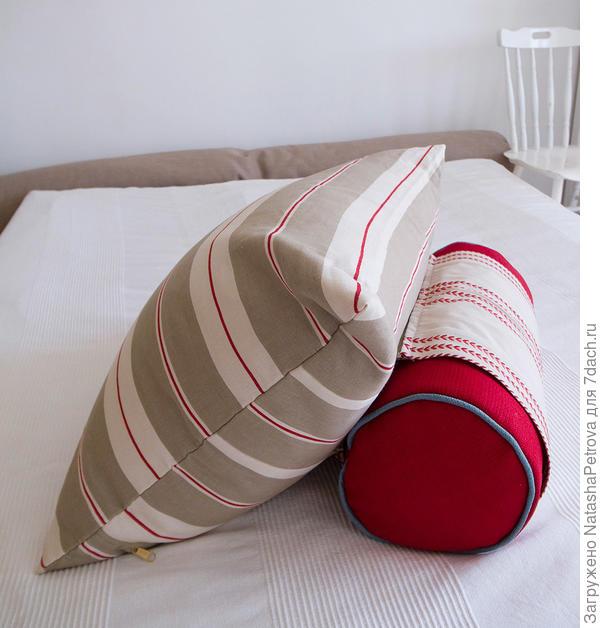 Подушка с валиком для удобства сидения. Фото с сайта http://smartballs.ru