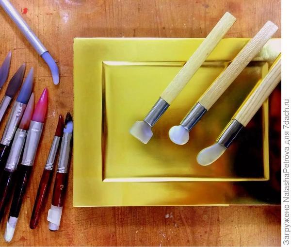 Набор полировальных инструментов позолотчика — агатовые зубки. Фото с сайта agat-zub.ru