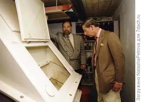 Принц Чарльз и компостирующий туалет. Фото из интернета