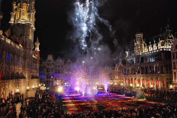 Цветочный фестиваль в Брюсселе. Фото с сайта flowercarpet.be/