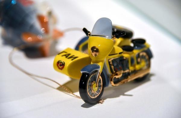 Ёлочная игрушка. Экспонаты с выставки История новогодней игрушки.Фото с сайта https://www.m24.ru