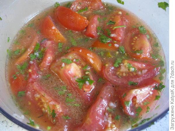 Моно-салат из помидоров; Остряк; с чесноком и зеленью - пошаговый рецепт приготовления с фото