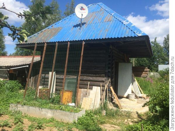 Крышу перекрасят узбеки в след году)
