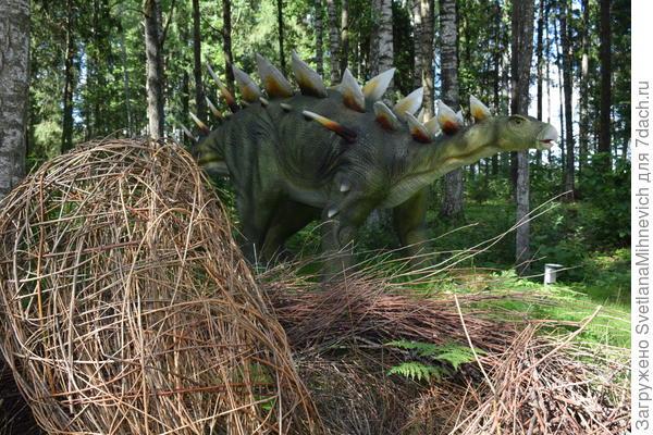 Но будьте осторожнее, вокруг динозавры :)