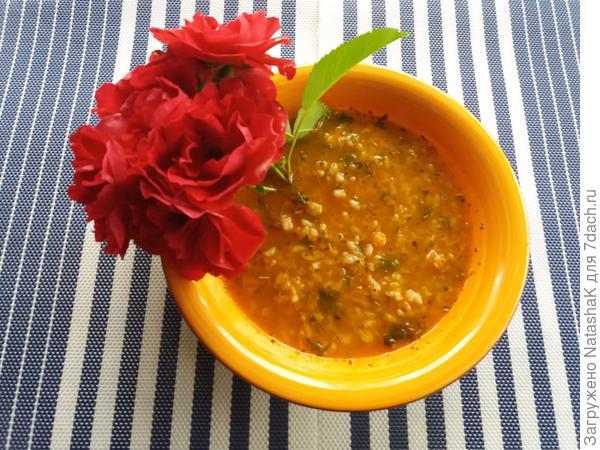 Суп-харчо с розами