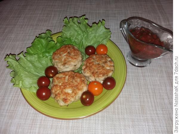Бифштексы рубленные с томатным соусом