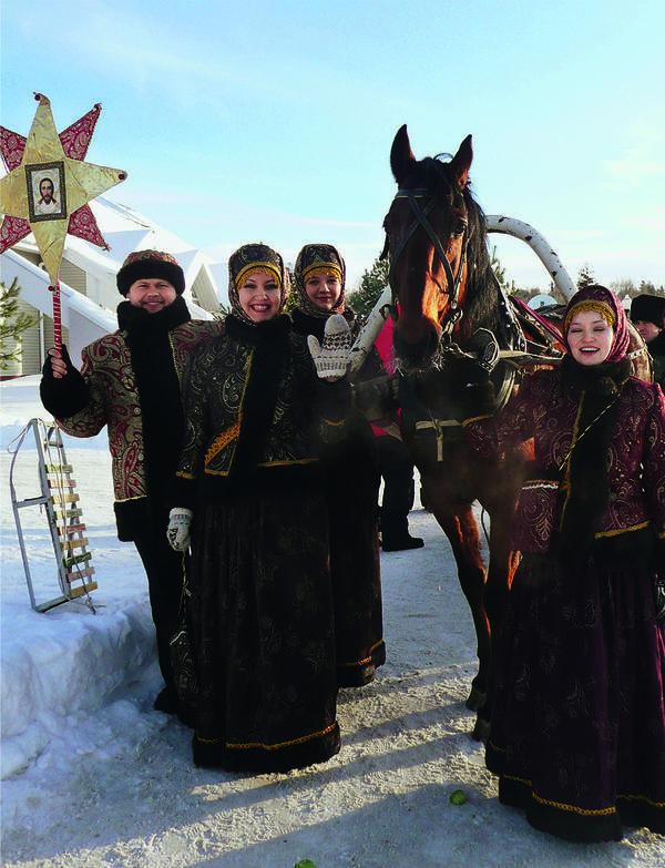 После принятия христианства на древний солнечный наложился церковный календарь - Рождество Христово, Васильев вечер и крещение.