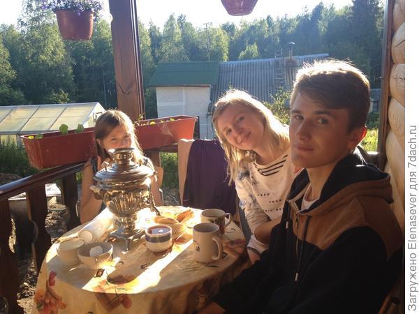 и чаек в семейном кругу можно попить, и шашлычки поесть