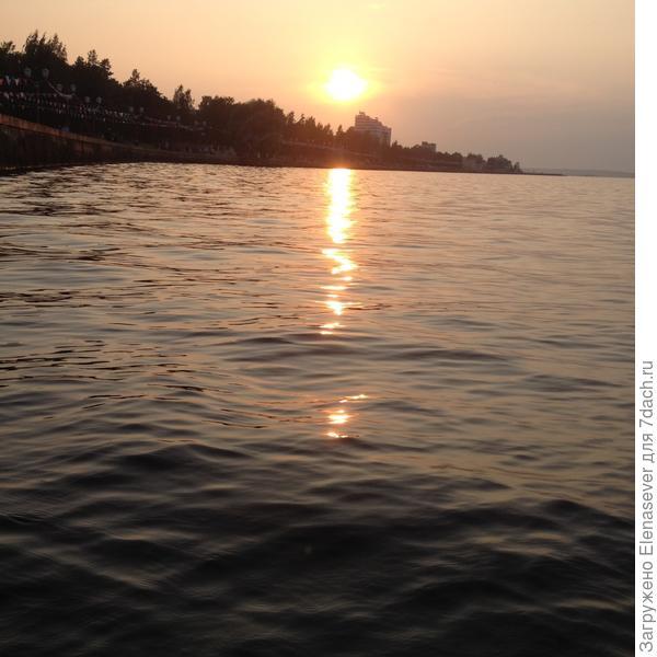 Закат на Онежском озере, набережная Петрозаводска....красота вокруг!