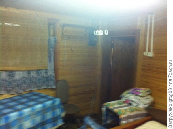 Комната. Вид на дверь