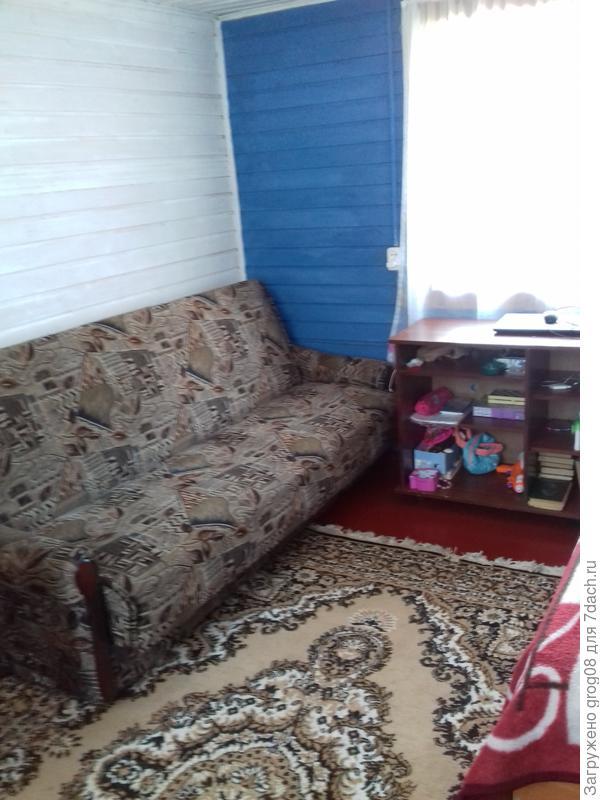 Вид на раскладывающийся диван
