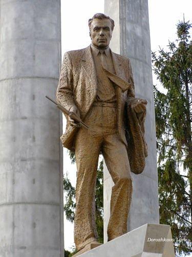 Памятник Алексееву в центре Сормово.